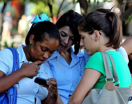 EE.UU. reunió teléfonos de medio millón de cubanos.