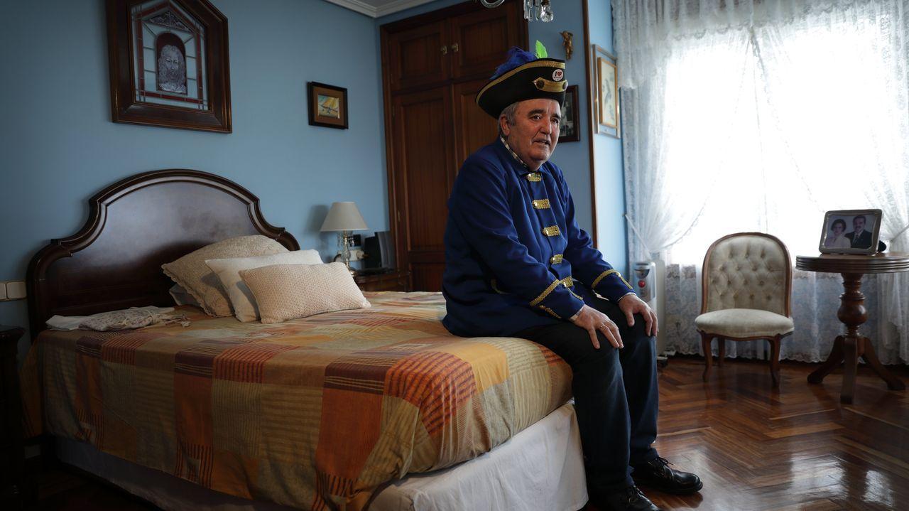 Los choqueiros se disfrazan en casa.El rey Felipe VI, el pasado viernes durante su intervención en la visita a la fábrica de SEAT en Martorell (Barcelona)