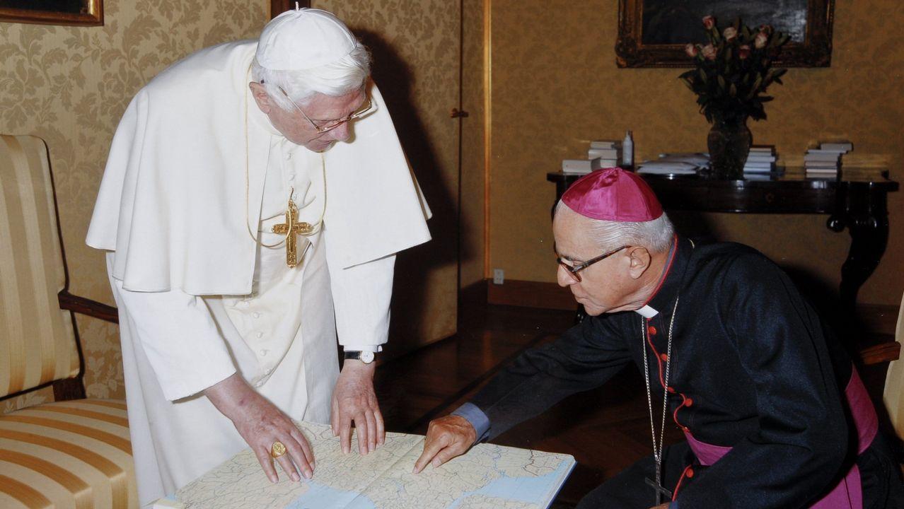 EL PAPA BENEDICTO XVI EN UNA IMAGEN DE ARCHIVO