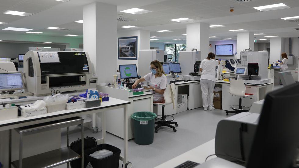Entramos en el nuevo laboratorio del CHUO.Accidente en Esgos