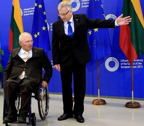 Los ministros de Finanzas de Alemania, Schaeuble, y Lituania, Sadzius, en una reunión del Ecofin.