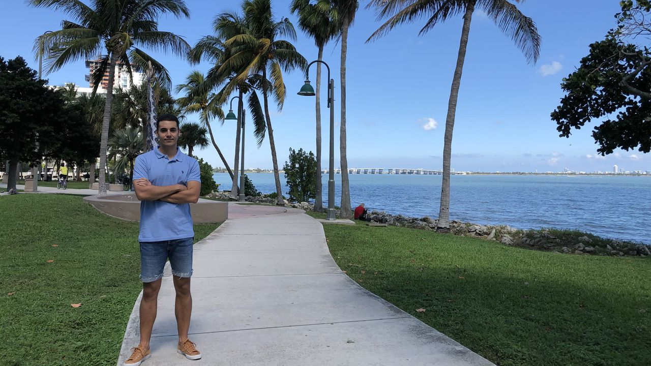 El avilesino Jairo Santano, en Florida (Miami)