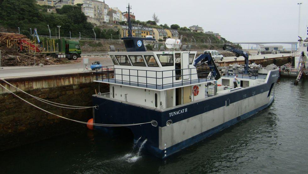 Barco para el transporte de peces vivos botado por Gondan.Barco para el transporte de peces vivos botado por Gondan