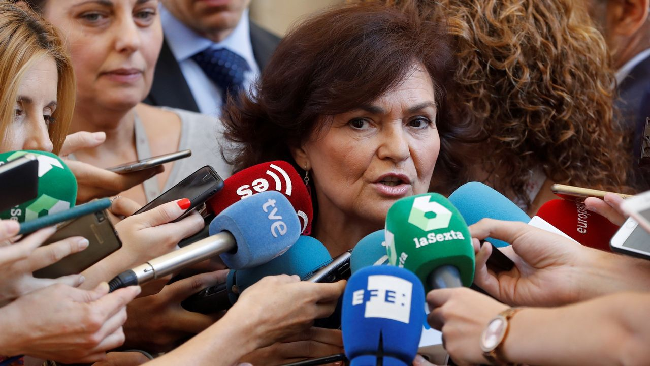 Calvo, sobre las declaraciones de Torra de «atacar al Estado español»: «Es una frase inaceptable con la que no se ataca al Estado».El comisario de Migraciones de la UE, Dimitris Avramopoulos, se reunió este viernes en Madrid con la vicepresidenta Carmen Calvo