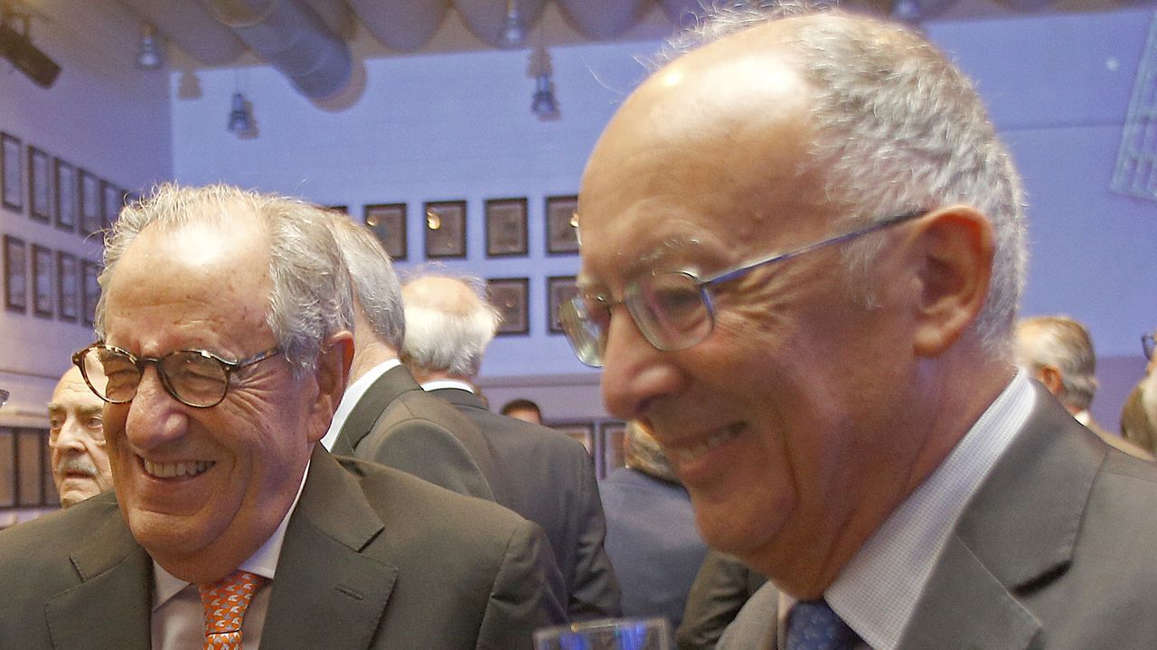 Emilio Pérez Nieto, presidente del Grupo Pérez Rumbao, charló con el expresidentede la Xunta Fernando González Laxe