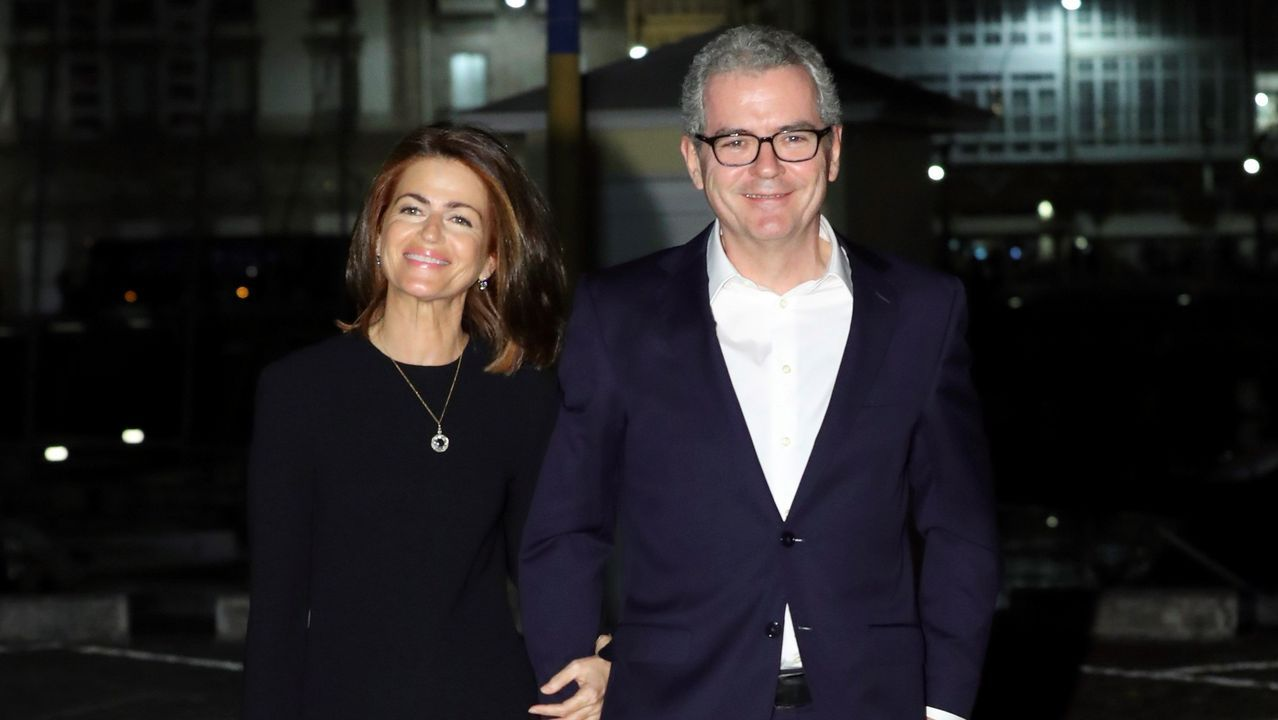 El presidente del grupo Inditex, Pablo Isla y su mujer María de la Vega.
