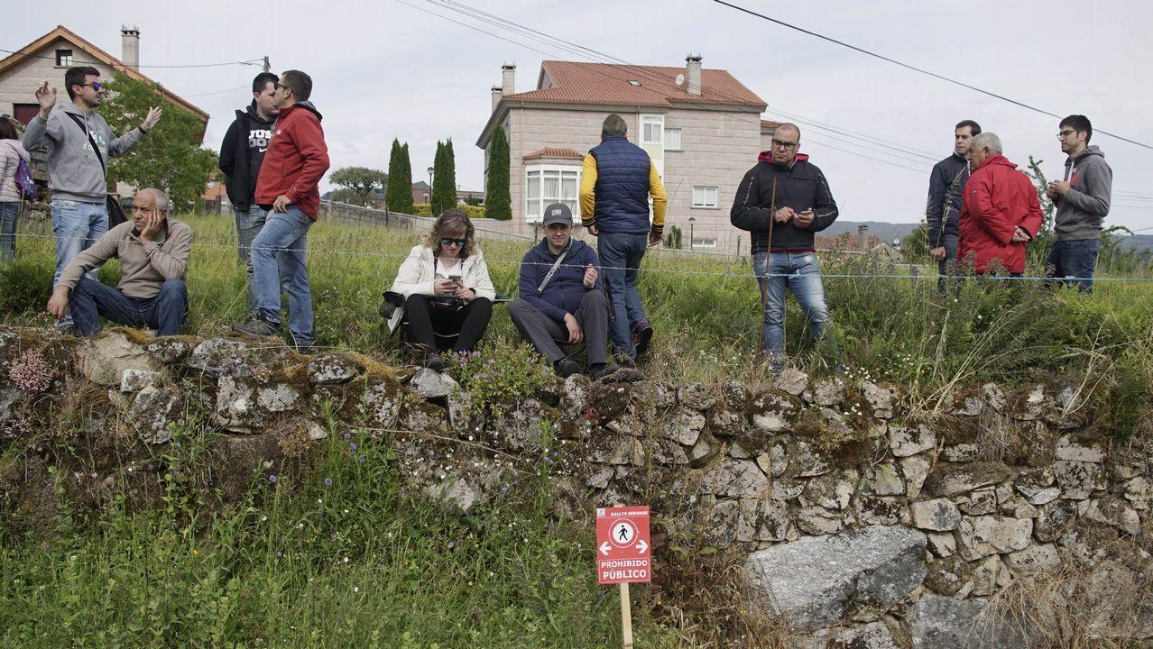 A todo gas en el pueblo de Barroso.La curva del Cruceiro fue un buen escenario para disfrutar del Rali de Ourense