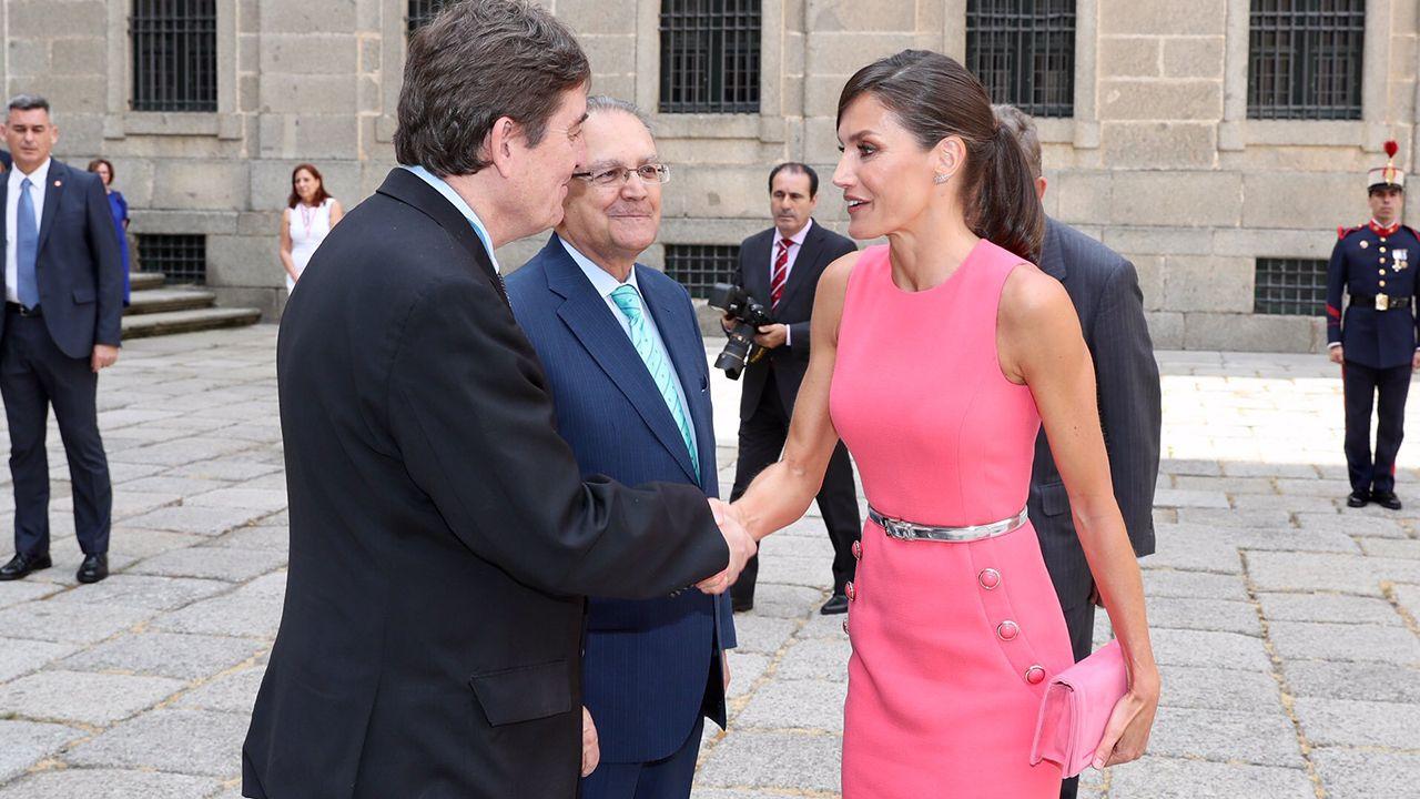 La Reina presidiendo una reunión de trabajo con los directores del Instituto Cervantes en la que se resumirán las principales actuaciones en la promoción internacional del español y su cultura