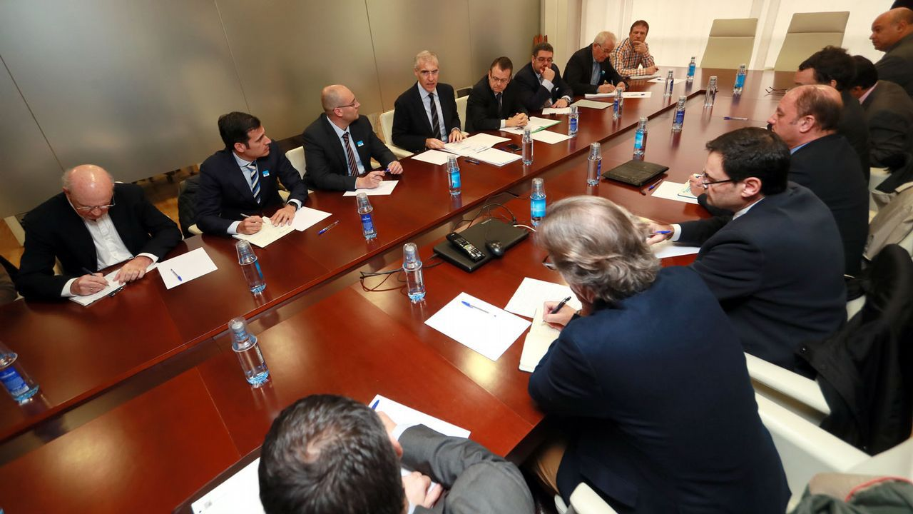 Galicia celebra los 25 años de la reinvención del Camino.Reunión de Francisco Conde con representantes de empresas electrointensivas