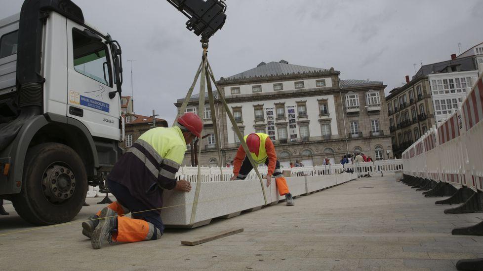 Propuestas de Arquitectura para convertir la chimenea de Fenosa en Sabón en nuevo emblema para el puerto exterior de Punta Langosteira
