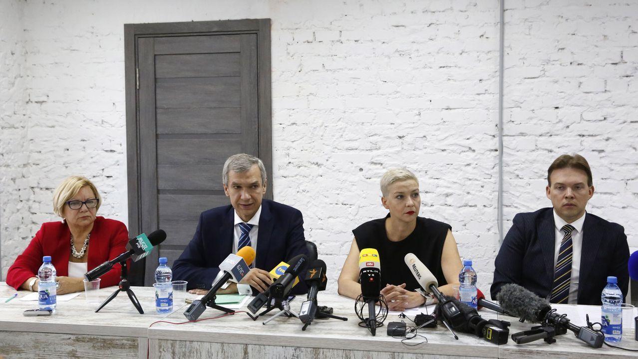 Miembros de la oposición, en un encuentro con la prensa este lunes en Minsk