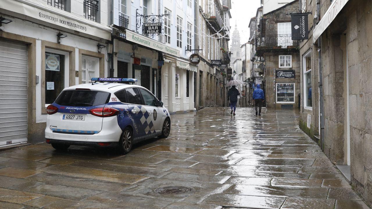 Calles vacías en las primeras horas del 2021 en Santiago