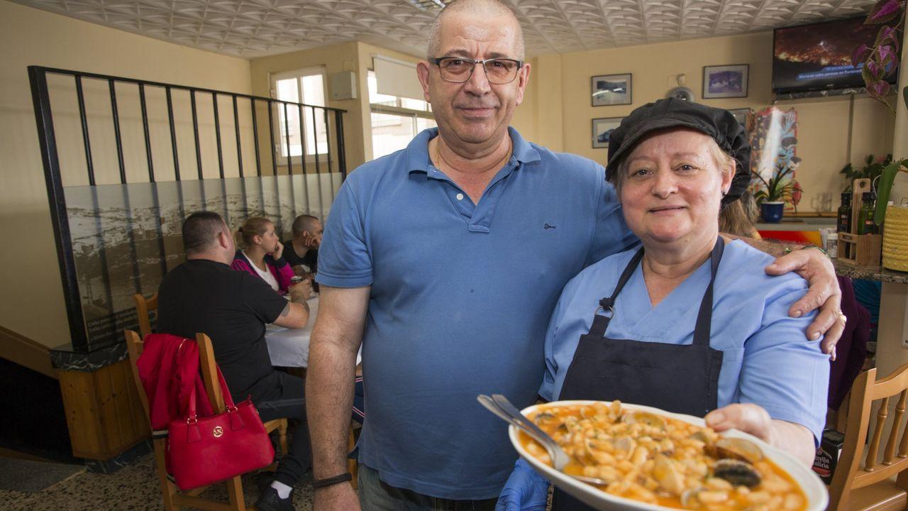 Adiós a la socialista Isaura Abelairas.J. Luis Martínez y su esposa, Alsira, en una imagen de archivo