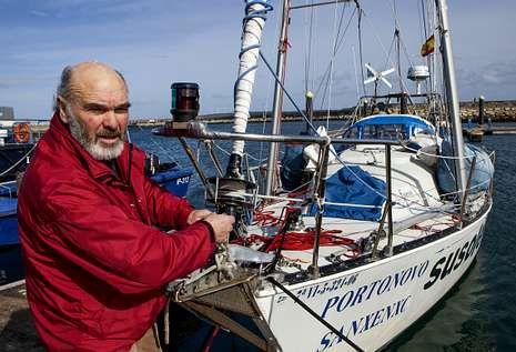 Suso Leiro llegó a Muxía tras siete días de travesía desde el puerto inglés de Bixham.