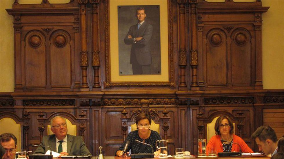Mariano Marín (derecha) y Pablo González, en la sede del PP gijonés