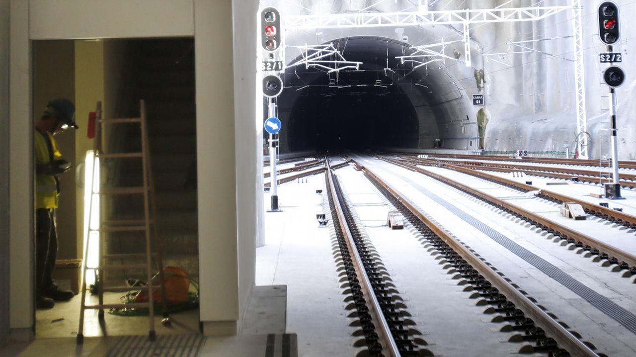 El túnel de As Maceiras desde la estación de Urzáiz, desde donde partiría el subterráneo de la salida sur