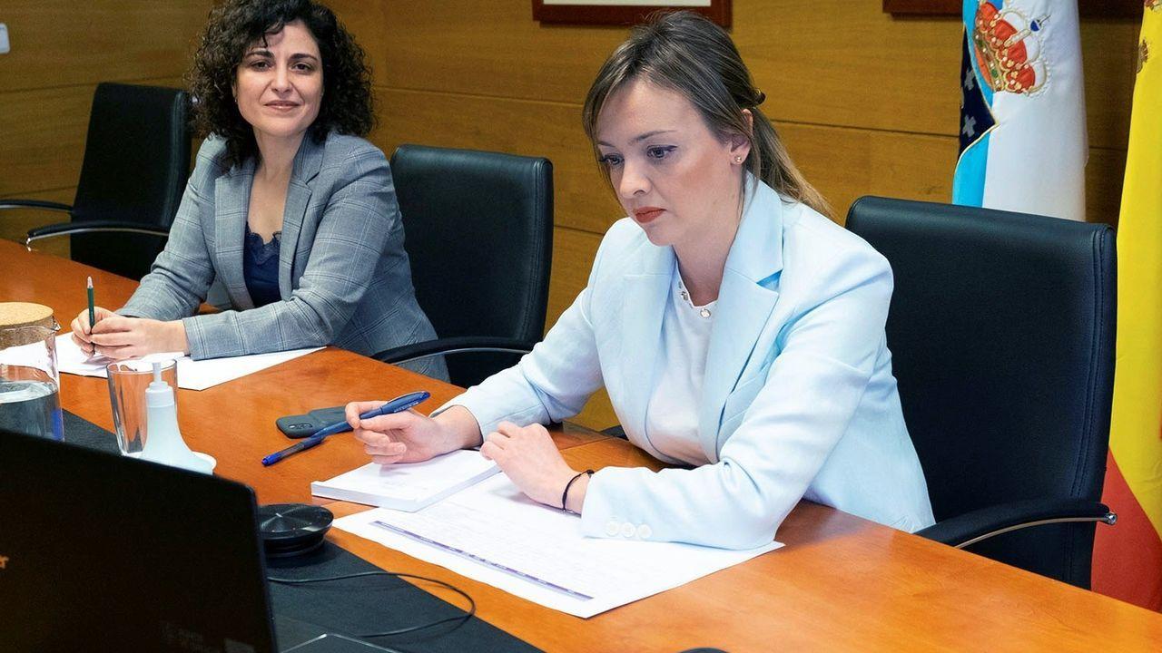 La conselleira Fabiola García, en una sala de San Caetano, durante una videoconferencia.