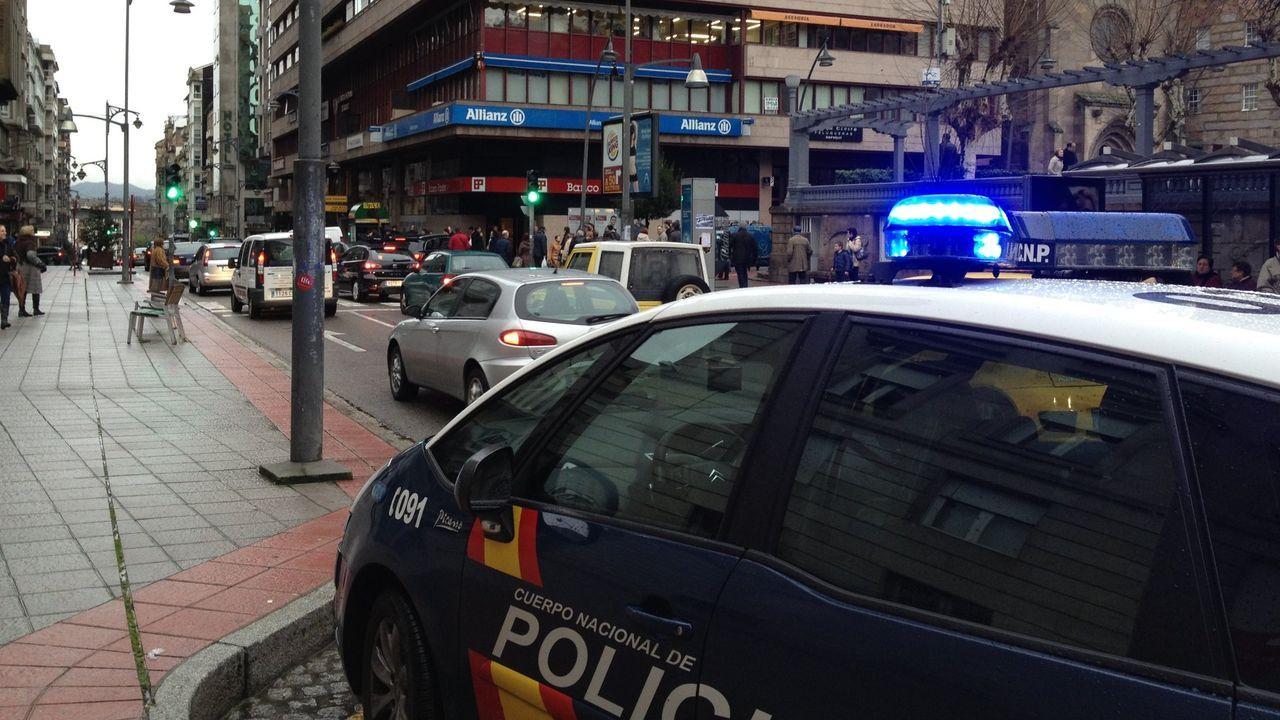 La violencia vuelve a las calles de Barcelona.Concentración por los policías desplegados en Cataluña