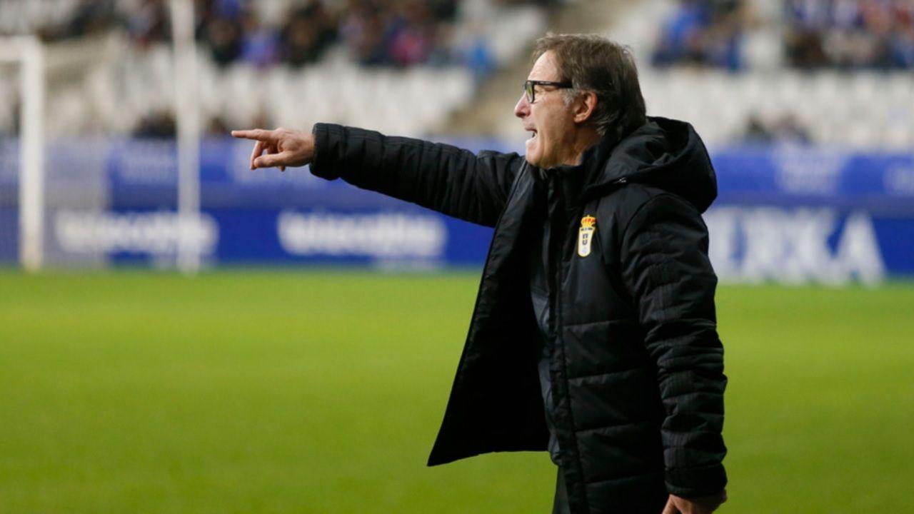 Anquela Real Oviedo Numancia Carlos Tartiere.Anquela da ordenes durante el partido