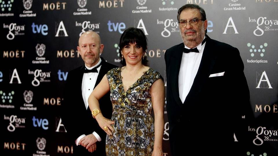 Enrique González Macho (a la derecha), junto a otros meibmros de la academia de Cine.