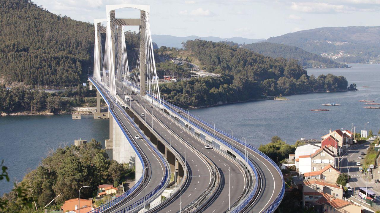 El puente de Rande, prácticamente sin tráfico.