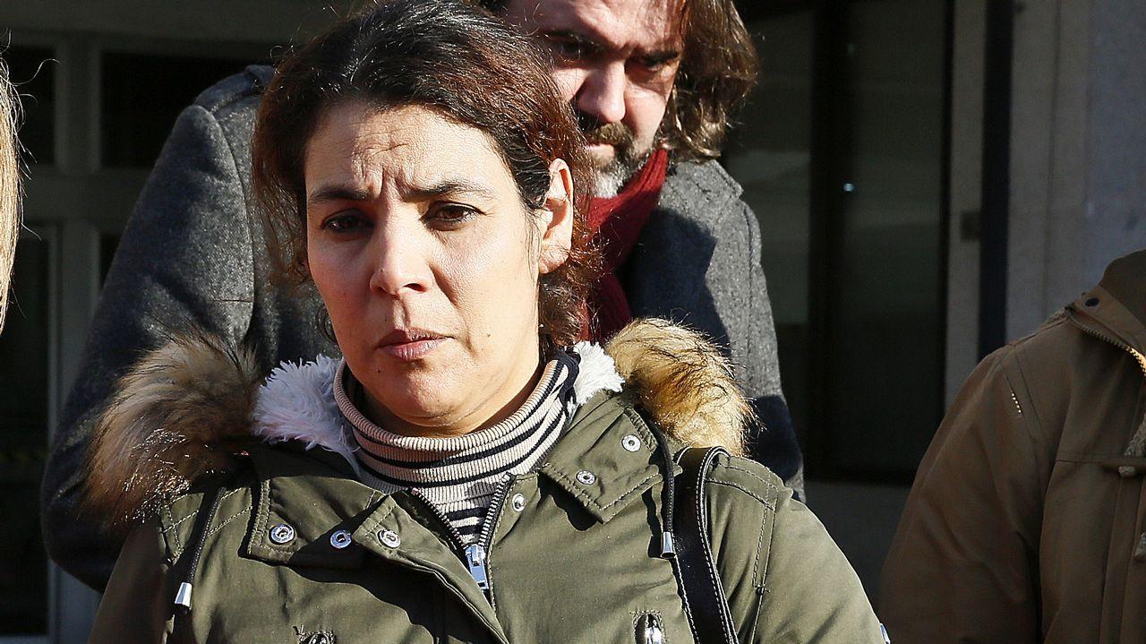 Manolita y Nair exportan la lucha de los vecinos de La Camocha.Lucila Vázquez, perjudicada por el acoso inmobiliario del que la fiscalía acusa a dos cargos de la Xunta