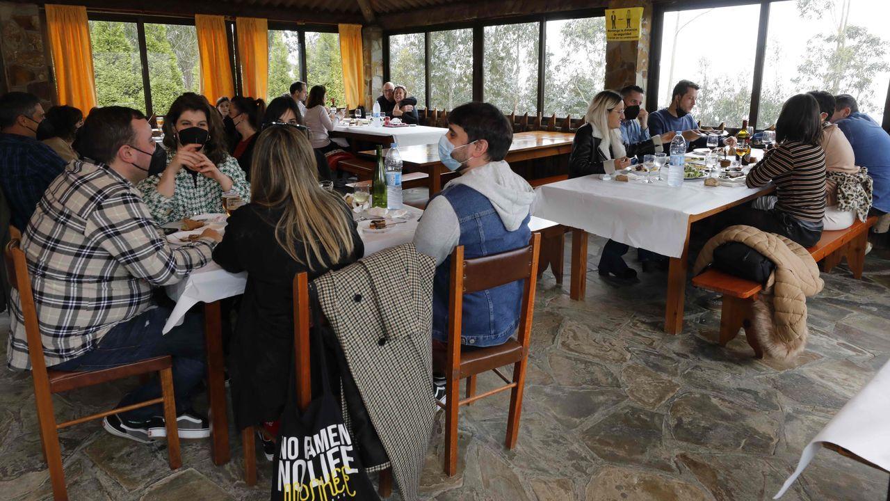 La Parrillada San Roque, en Viveiro, fue uno de los establecimientos hosteleros que trabajaron especialmente bien el Viernes Santo y ayer