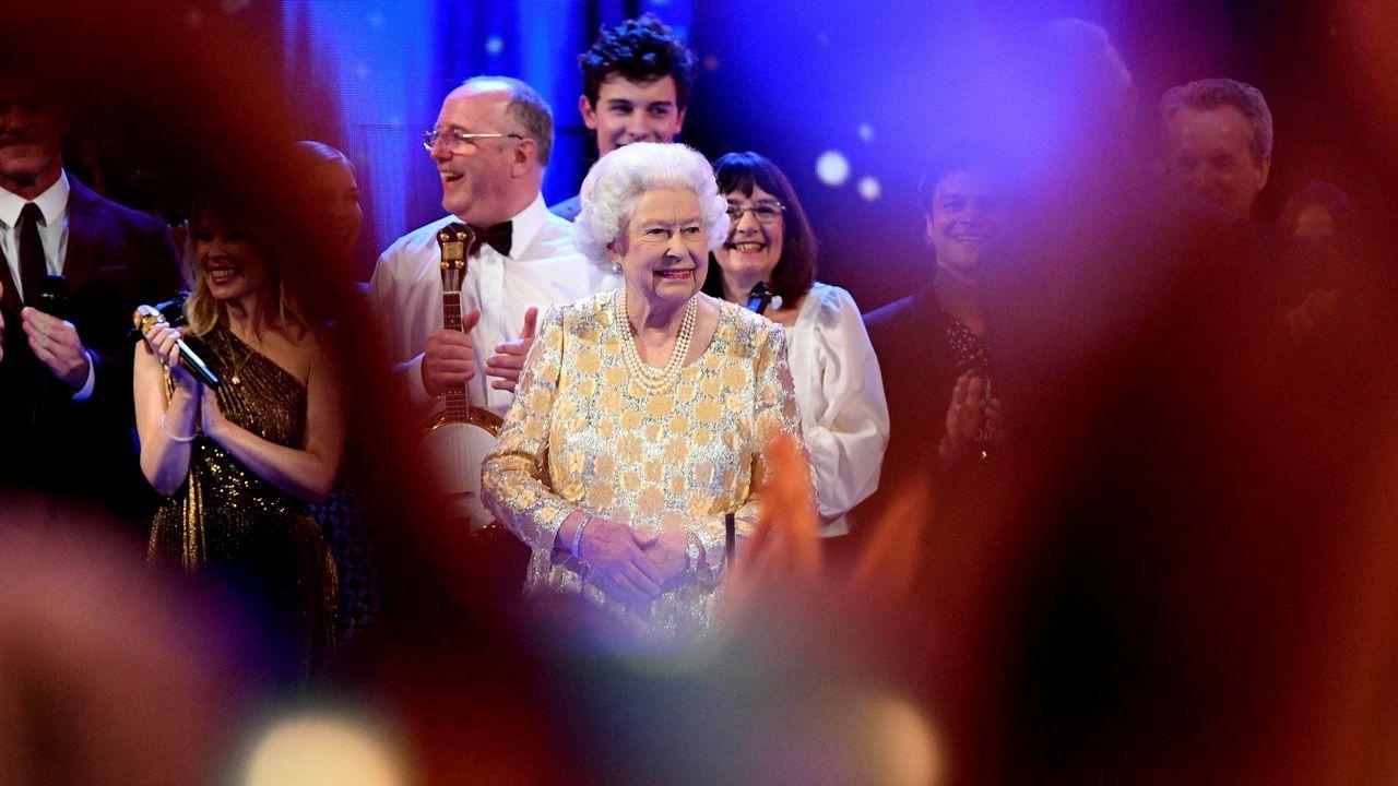 El concierto en homenaje a Isabel II.Michael Hutchence, el cantante de INXS, es el protagonista de «Mystify» que relata su auge y caída.
