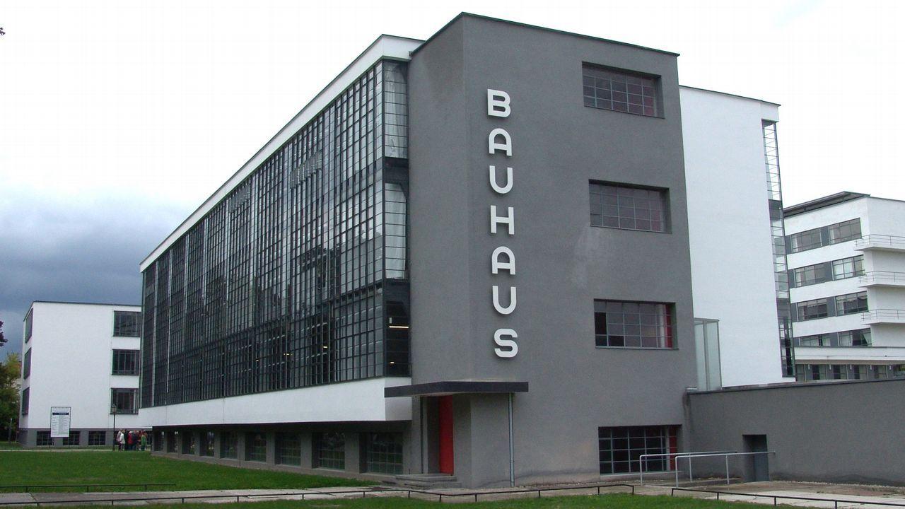 Fundación Vinjoy.El edificio de la Bauhaus en Dessau se ha convertido en un icono en sí mismo