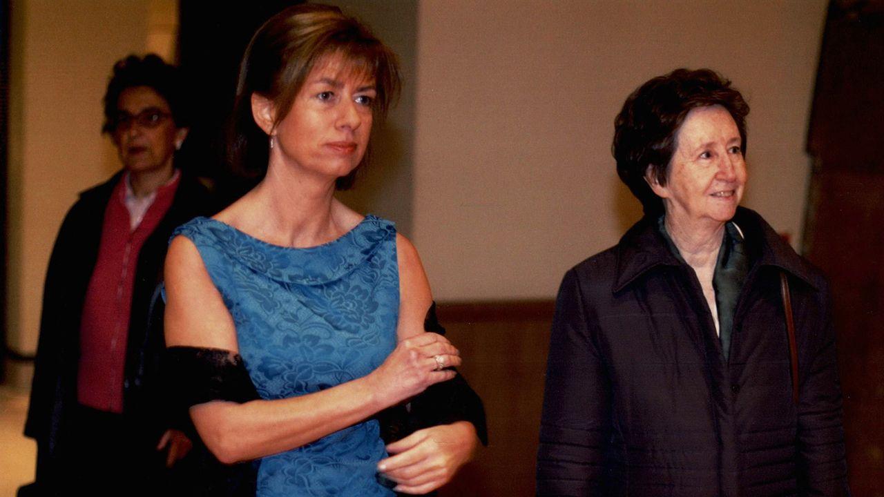 Concha Masa junto a Margarita Salas