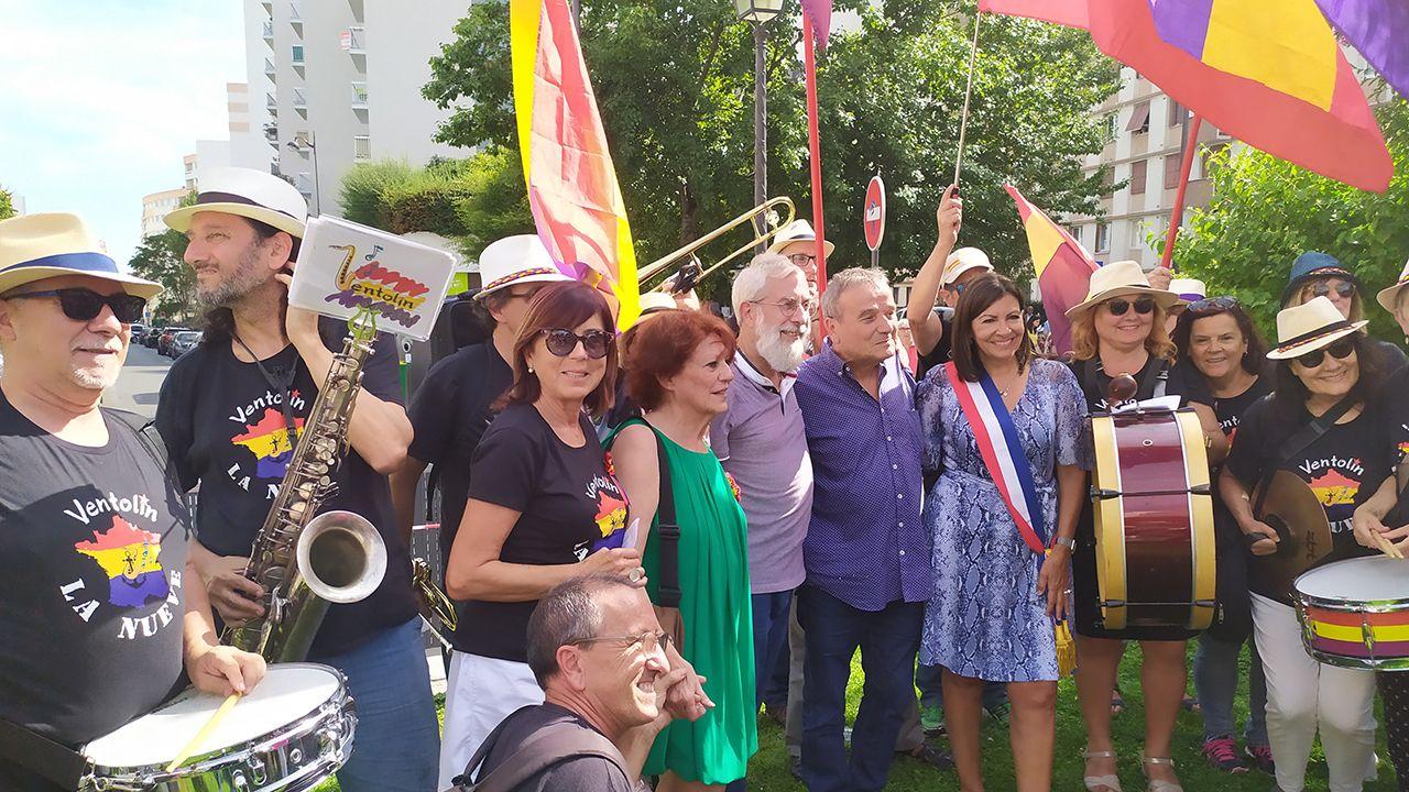 La Charanga Ventolín participa en el 75 aniversario de la liberación de París.Tormenta eléctrica en Gijón