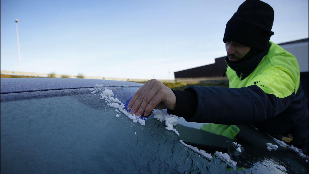 Una irrupción de aire ártico invadirá Galicia.FRIO HELADAS EN LA NACIONAL VI ALTURA MIÑO