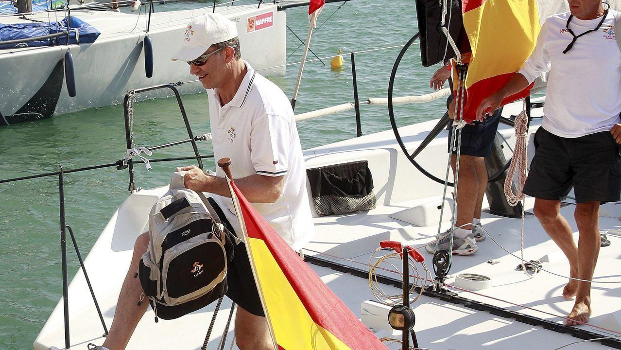 El monarca y los deportes. En sus primeras vacaciones como monarca, en agosto del 2014, Felipe VI participó en la 33 Copa del Rey de Vela en Mallorca.