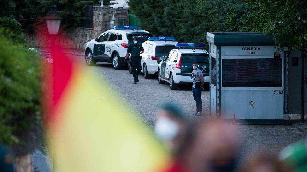 Control de acceso de la Guardia Civil en la casa de Galapagar del vicepresidente, Pablo Iglesias