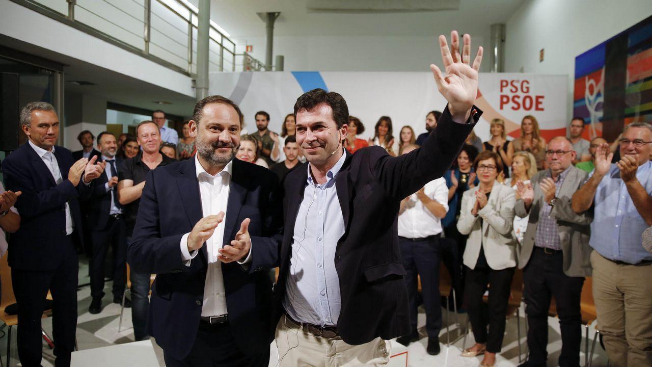 La ministra Calviño plantea una reforma del sistema fiscal para combatir el déficit estructural.El ex secretario general del PP Francisco Álvarez Cascos, durante su comparecencia ante la Comisión de Investigación sobre la supuesta financiación ilegal del PP.