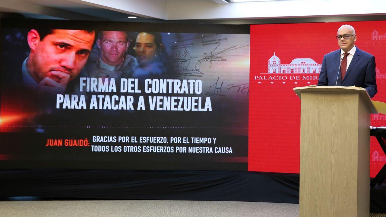 El ministro de información del país sudamericano, Jorge Rodríguez, presentó las supuestas pruebas contra Guaidó