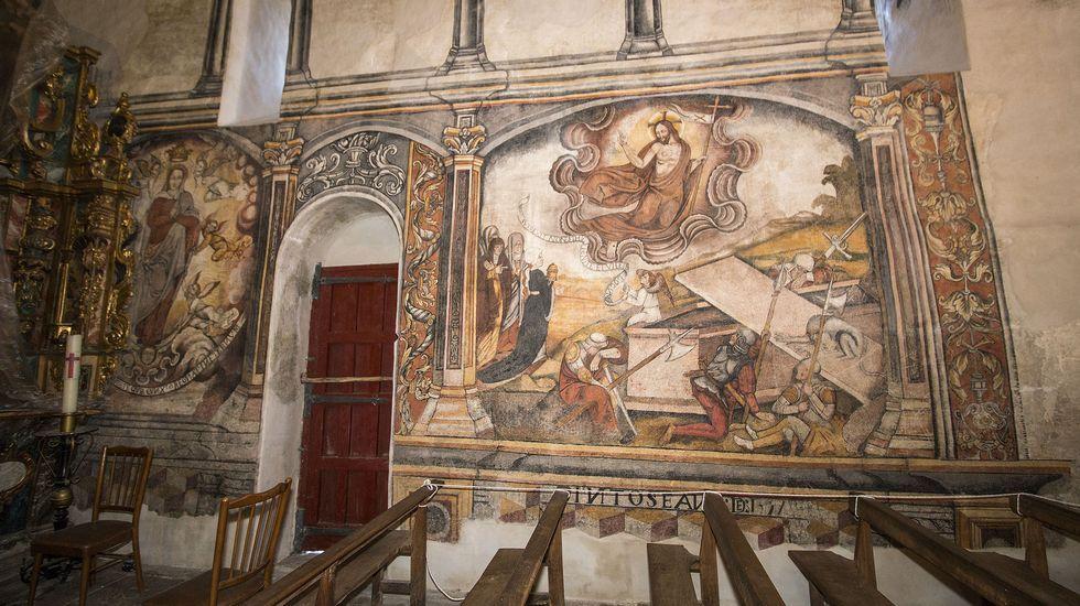 Coronación de María (izquierda) y resurrección de Cristo en los frescos del muro sur de la iglesia