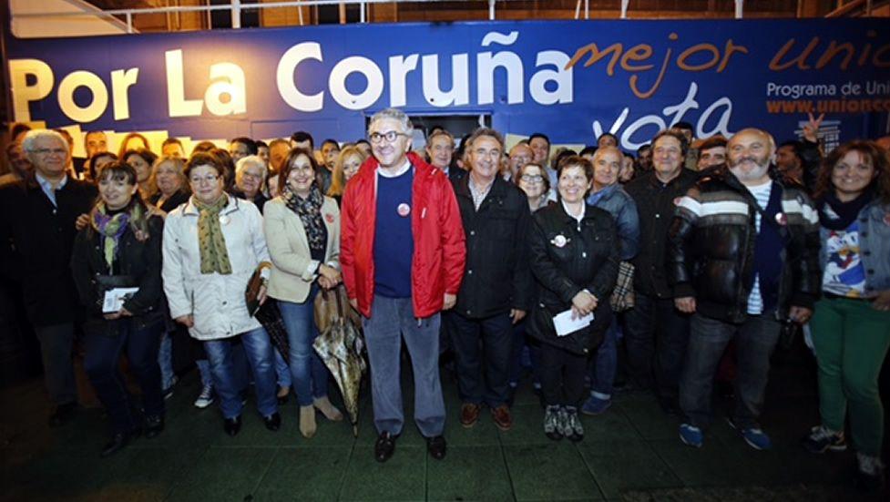 Pegada de carteles de Unión Coruñesa