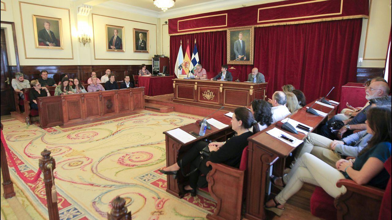 MITIN PP ALBERTO NUÑEZ FEIJOO EN A POBRA Y RIBEIRA.Trabajadores del Plan de Empleo y colaboradores en el Naranco