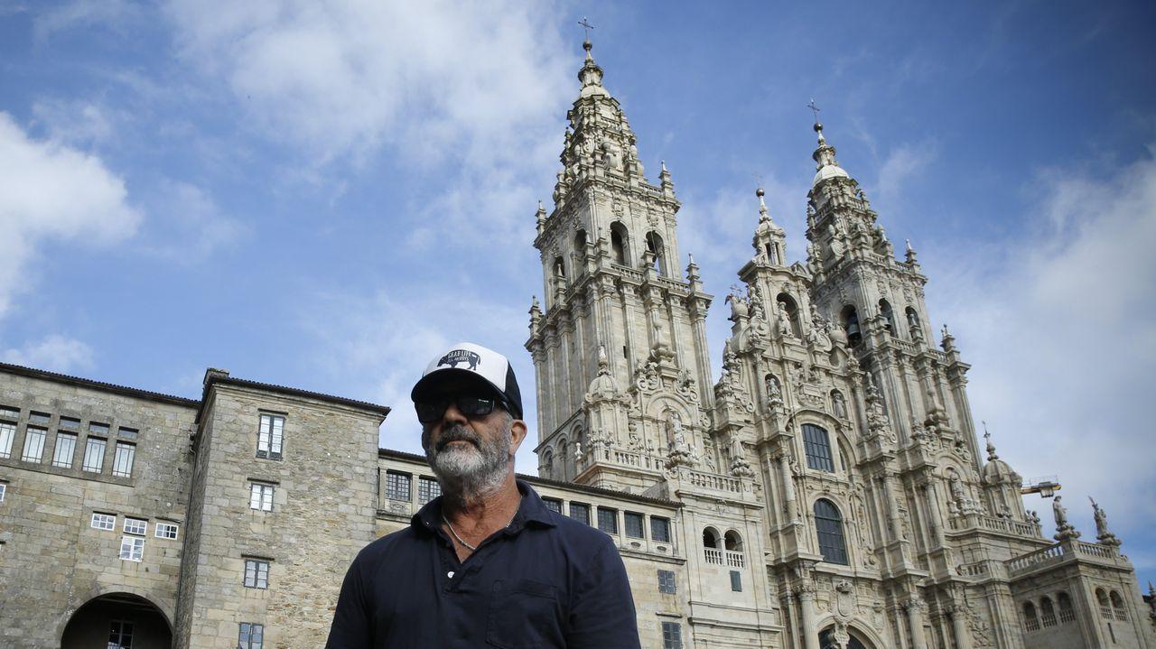 Mel Gibson hoy en el Obradoiro como un turista más