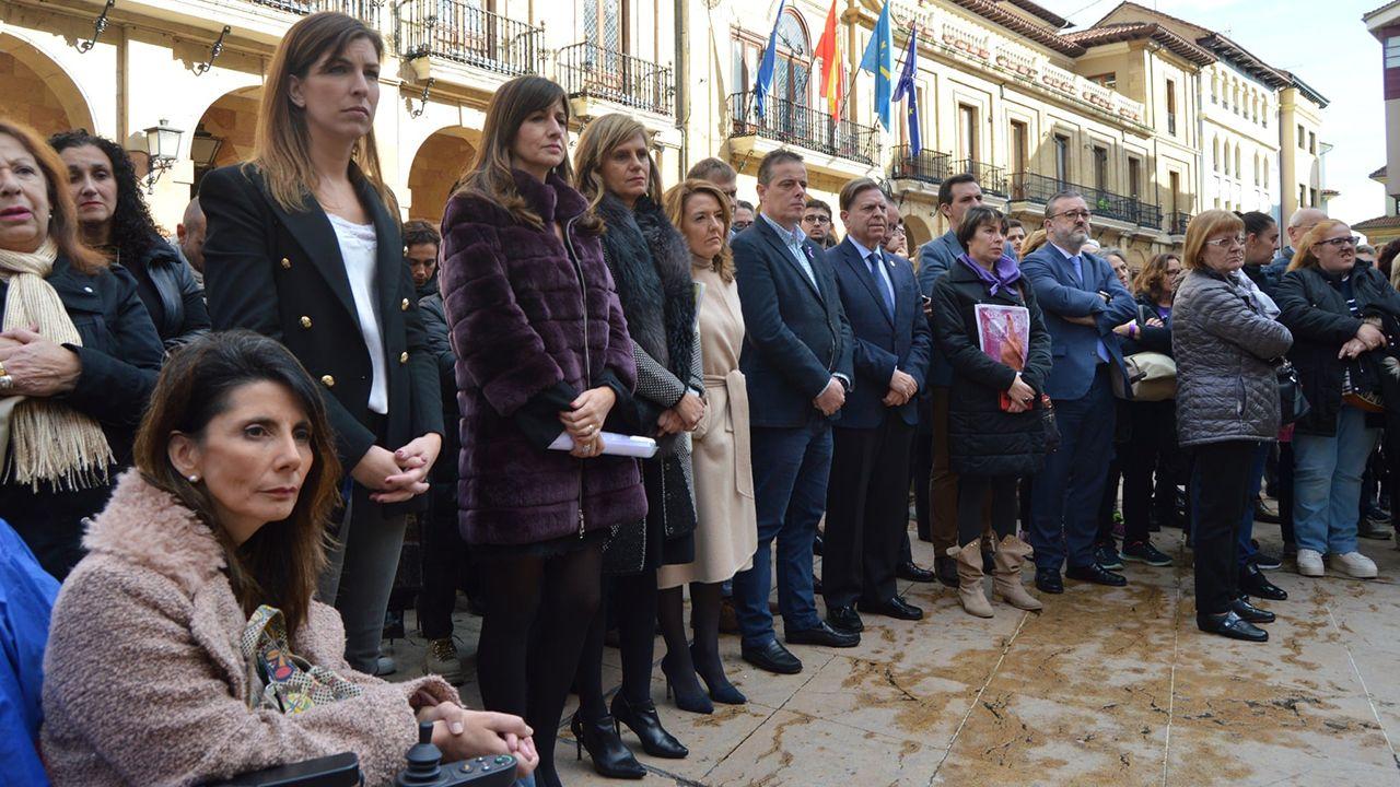 EN DIRECTO: Comparece la ministra portavoz María Jesús Montero.El gobierno local, en el acto de homenaje a las víctimas de violencia machista