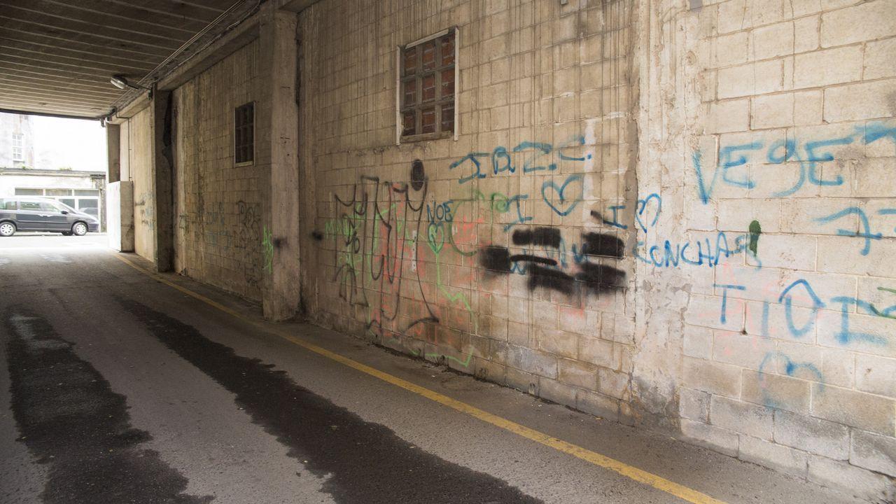 Tunel entre las calles Manuel María y Vicente Risco, en Carballo.