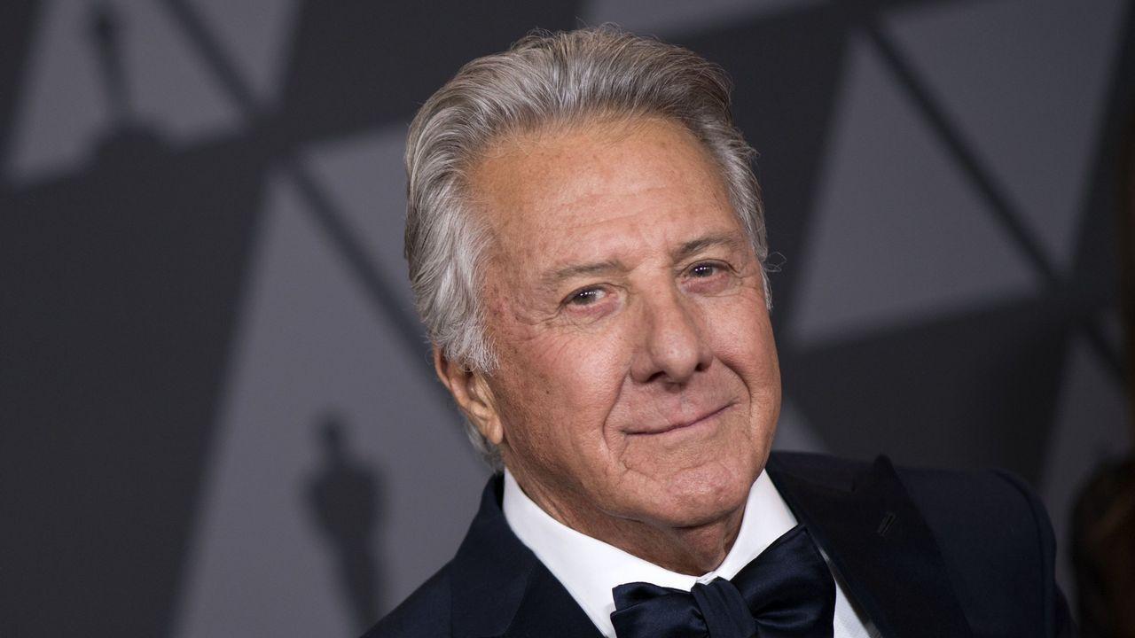 La alfombra roja de losBafta también se tiñe de negro.Dustin Hoffman