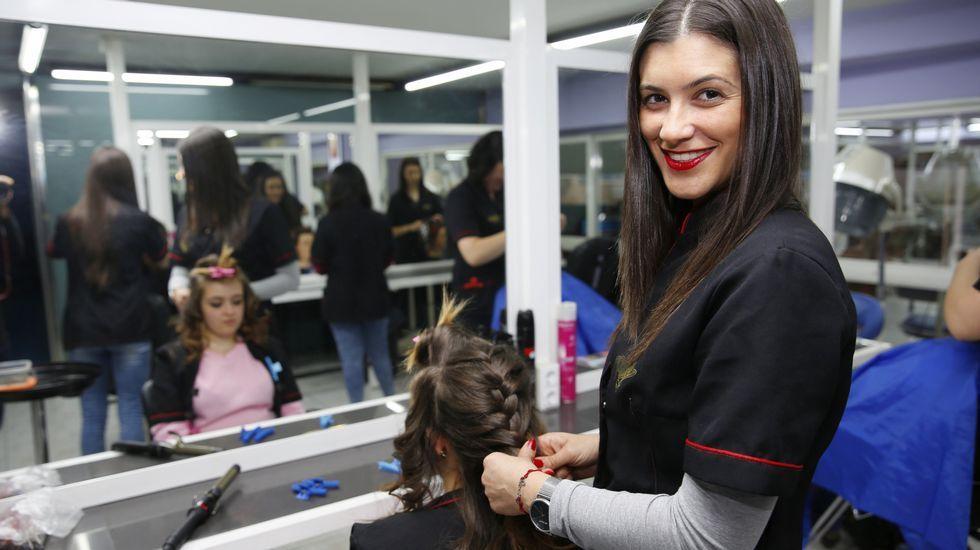 Estética ochentera en la Madrid Fashion Week.Desfile de Devota & Lomba.