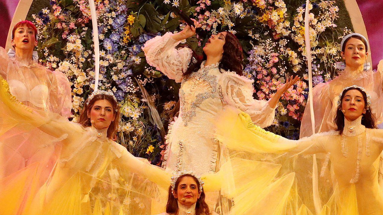 La griega Katerina Duska interpreta «Better Love» en la primera semifinal de Eurovisión