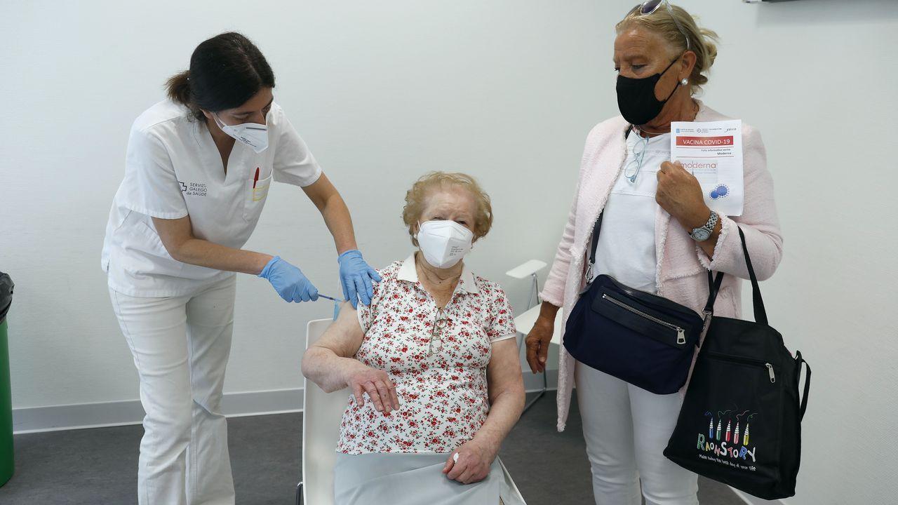 Vacunación contra el covid en el Hospital Álvaro Cunqueiro de Vigo