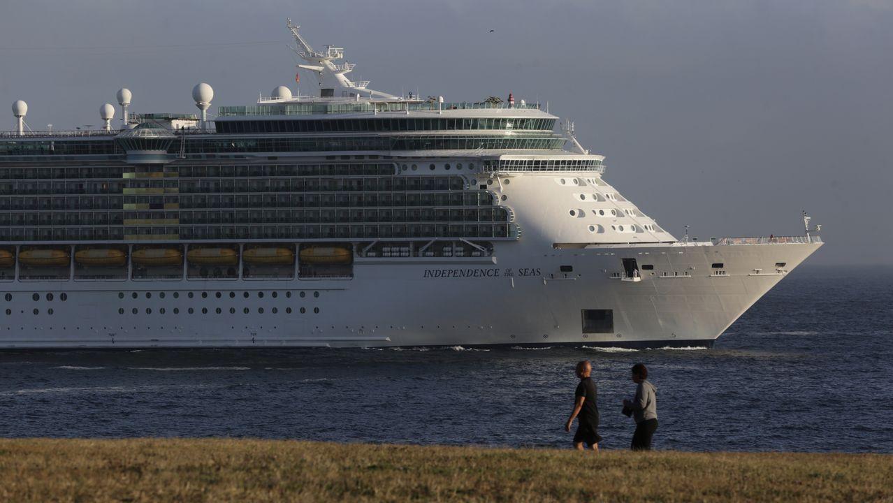 El Independence of the Seas, en A Coruña