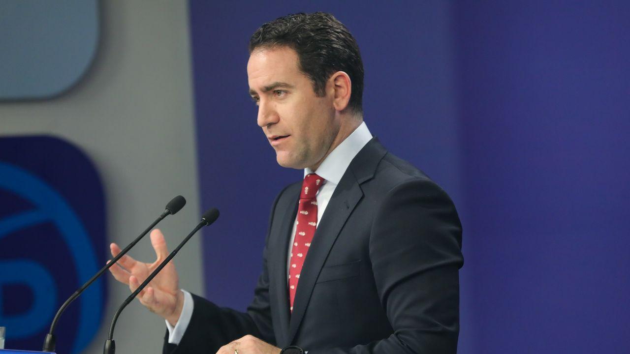 ERC deja caer a Torra como diputado.El presidente de la Generalitat, Quim Torra (derecha), y su vicepresidente, Pere Aragonés