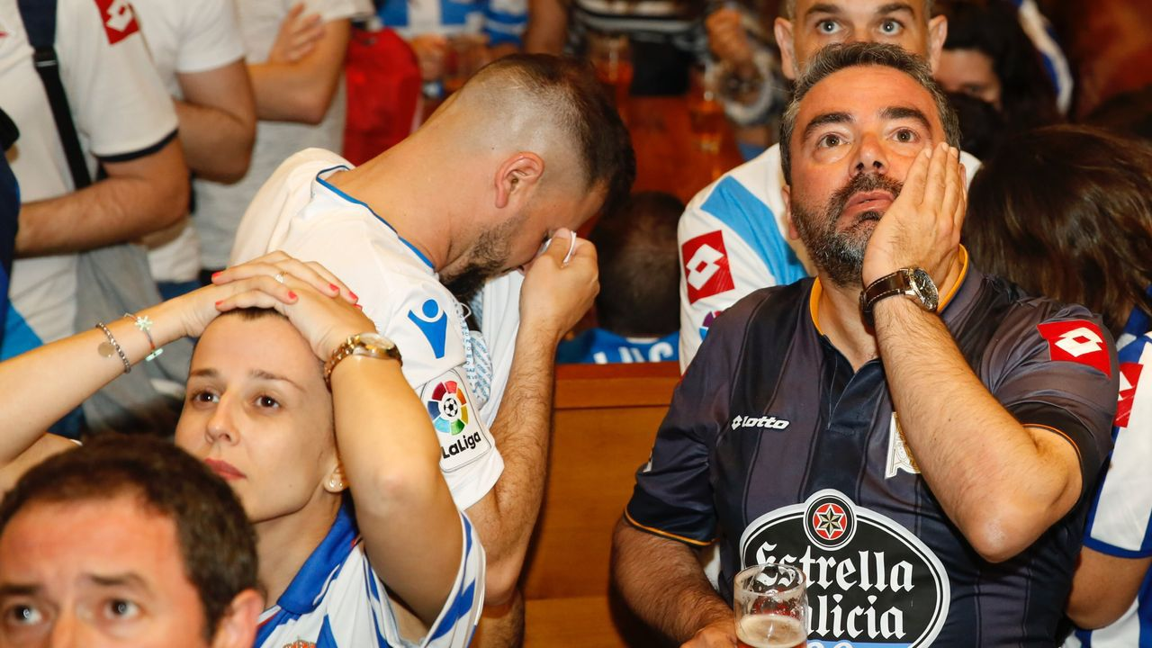 Joselu celebra el 1-0 ante el Nàstic