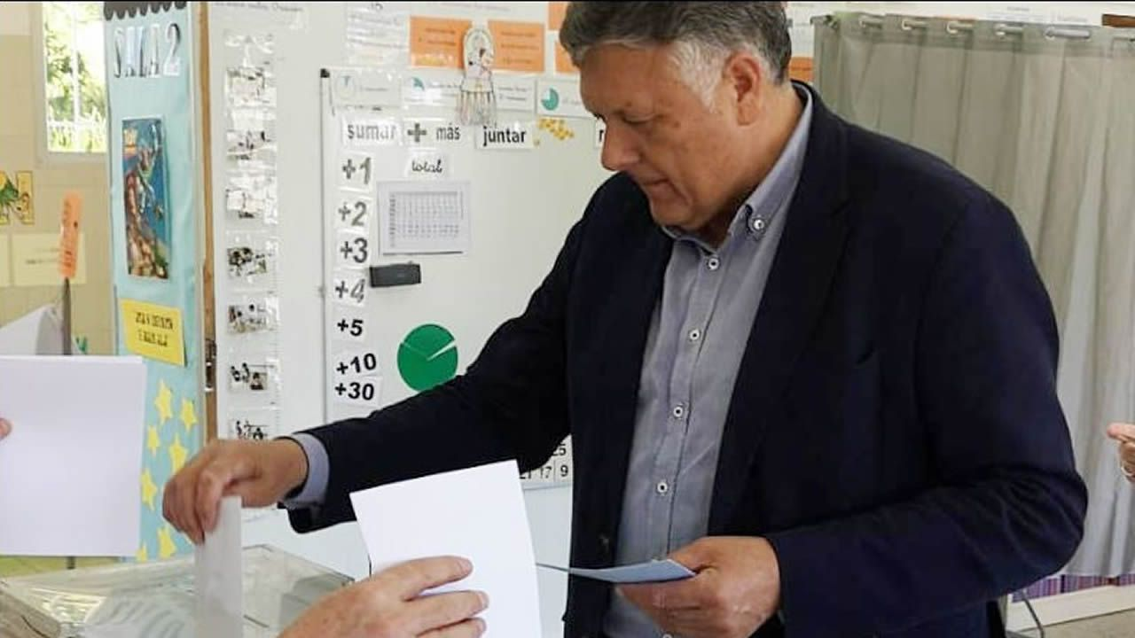 ELECCIONES 26M EN SANXENXO: VOTACIÓN DEL CANDIDATO A LA ALCALDÍA POR EL PP, TELMO MARTÍN